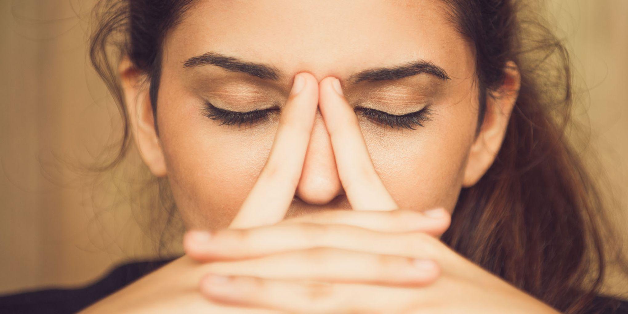 žensko šmrcanje